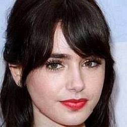 Lily Collins's Net Worth in 2020 – Money, Earnings, Income
