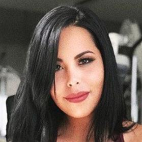 Net Worth of Veronica Flores