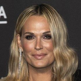 Net Worth of Molly Sims