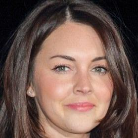 Net Worth of Lacey Turner